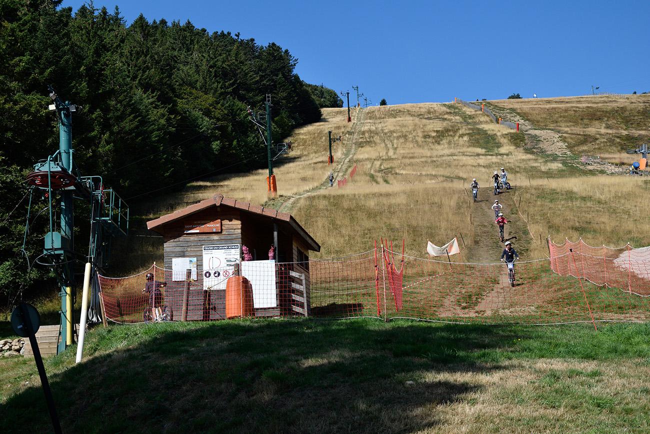 praboure-parc-activite-montagne-photo-balades-trottinettes-de-descente