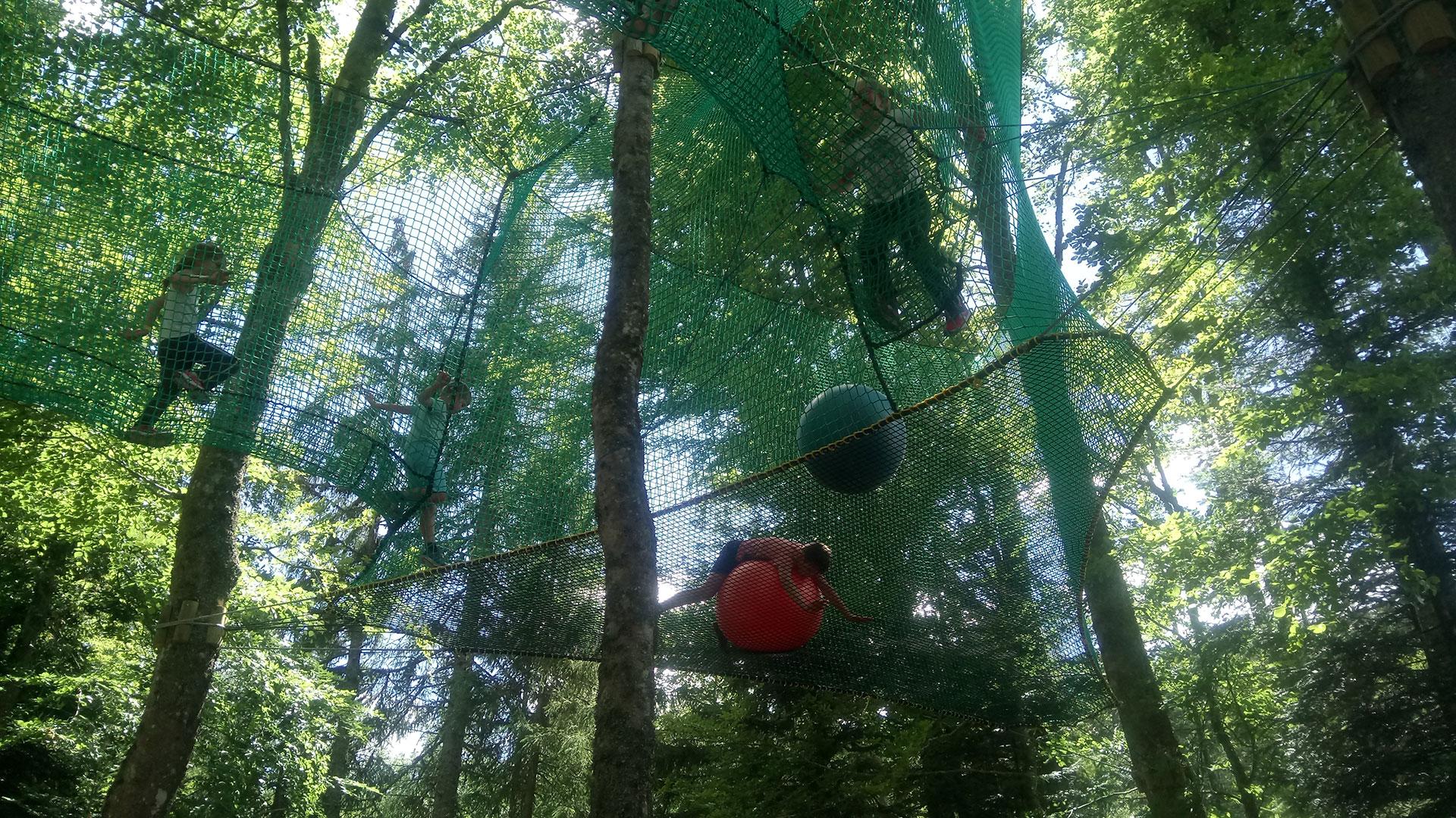 parc-activite-montagne-praboure-filets-suspendus-full-a