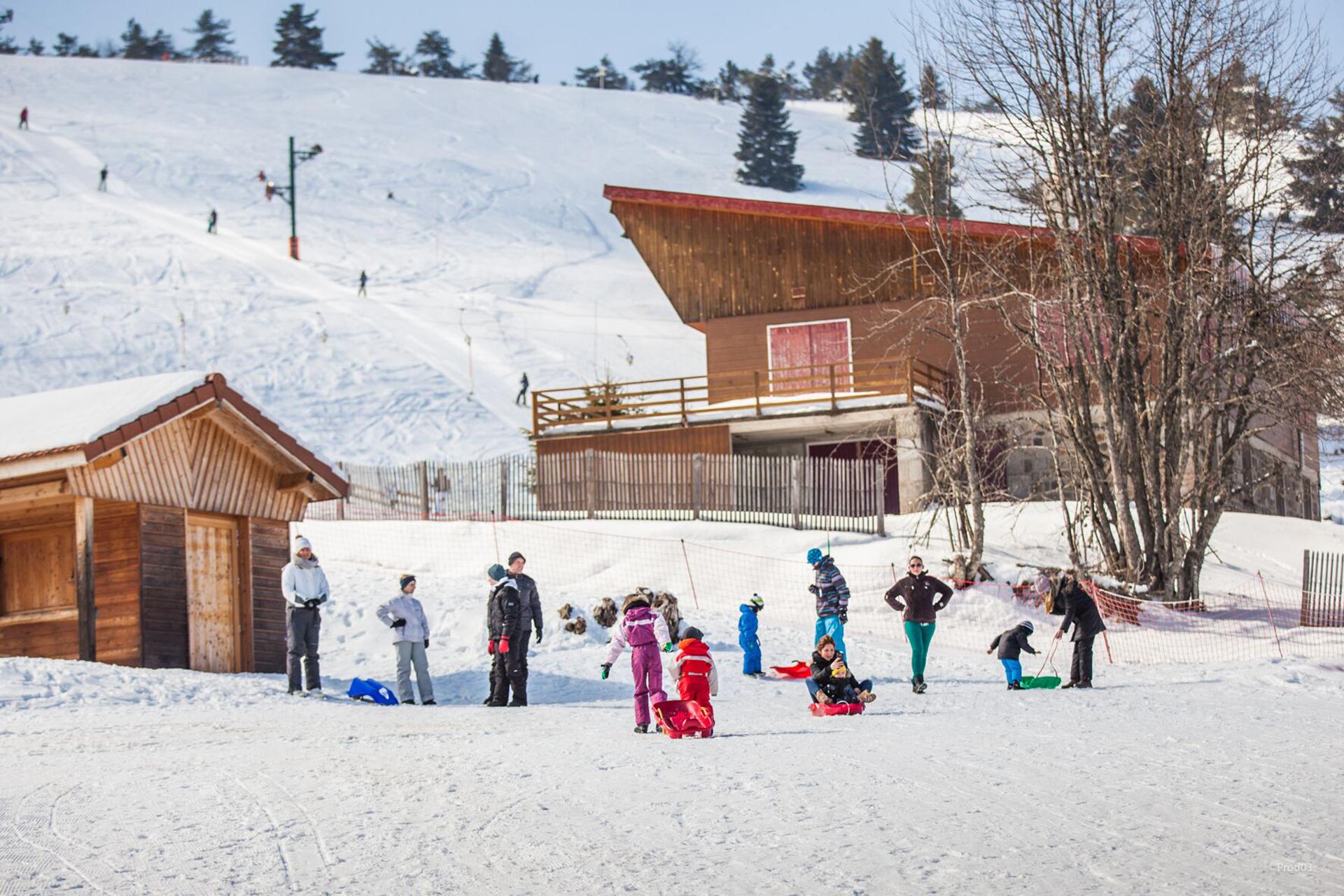 praboure-station-de-ski-hiver-luge-banner
